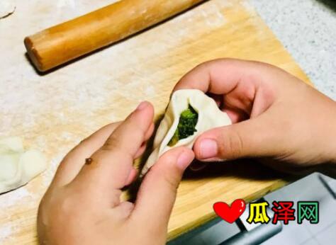 朋友圈晒自己包饺子的说说