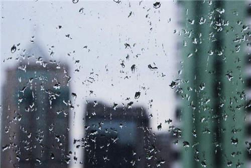 下雨了想发个朋友圈