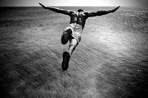 致自己坚强勇敢的励志说说:休息是为了让以后走更长的路