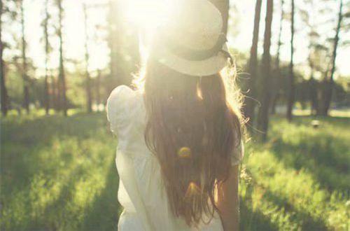 爱情纠结的心情说说 感情纠结犹豫的说说