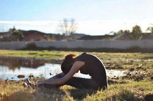 特别难受想哭的情感说说:我害怕你心碎,没人帮你擦眼泪