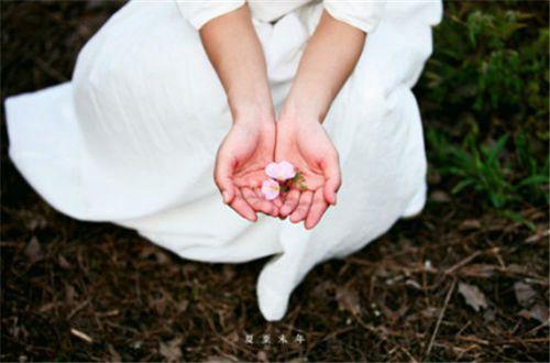 喜欢春暖花开的说说 春暖花开万物复苏的唯美说说